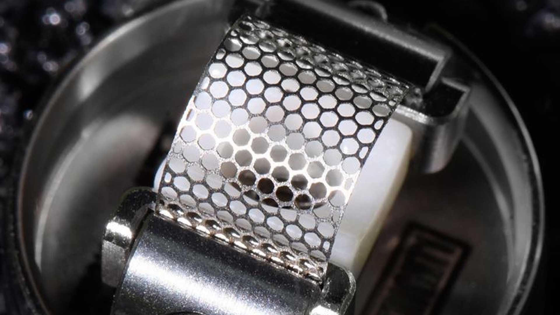 Close up of the mesh coil
